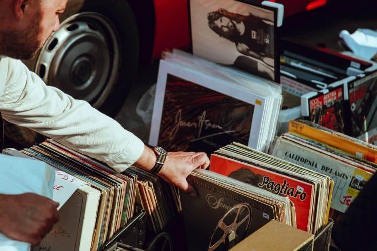 How to start a music store by buying the right album inventory